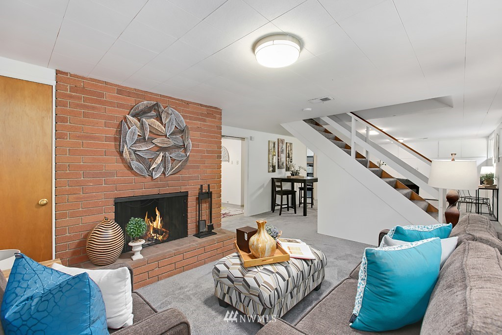 Sold Property | 12341 25th Avenue NE Seattle, WA 98125 14