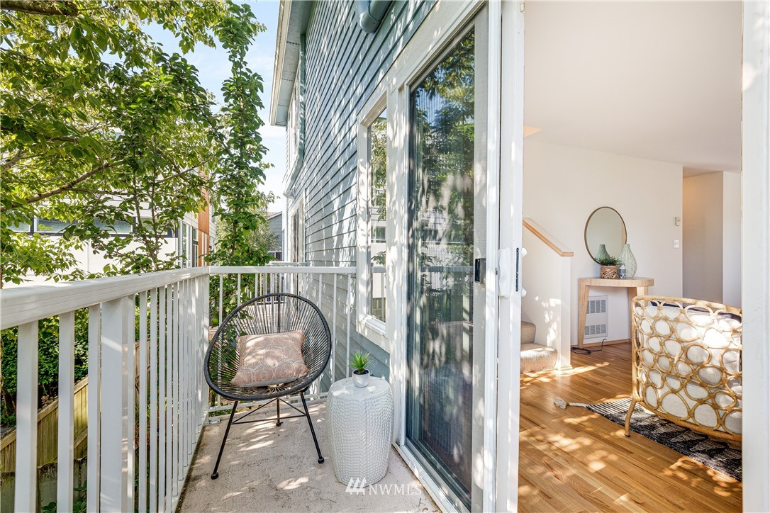 Sold Property | 9039 Mary Avenue NW #A Seattle, WA 98117 5
