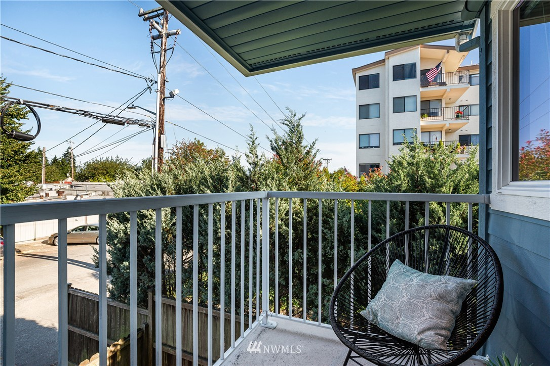 Sold Property | 9039 Mary Avenue NW #A Seattle, WA 98117 6