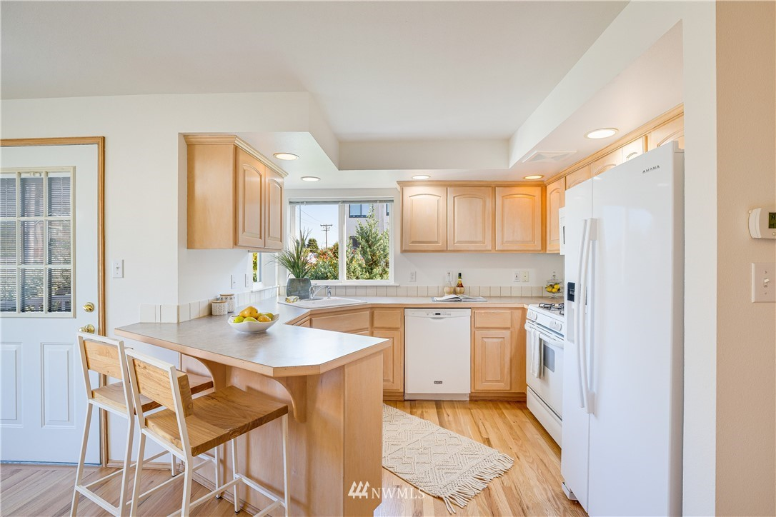 Sold Property | 9039 Mary Avenue NW #A Seattle, WA 98117 11