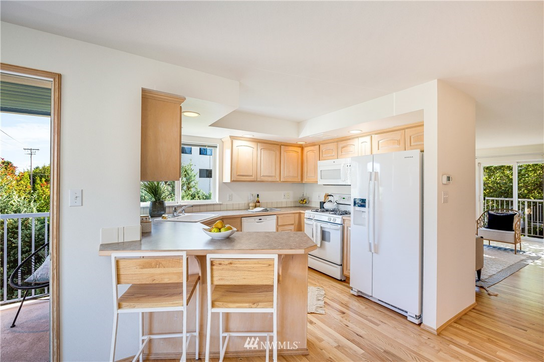 Sold Property | 9039 Mary Avenue NW #A Seattle, WA 98117 12