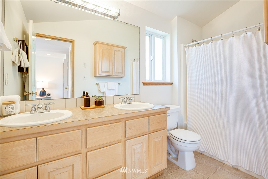 Sold Property | 9039 Mary Avenue NW #A Seattle, WA 98117 21