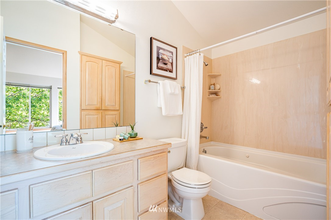 Sold Property | 9039 Mary Avenue NW #A Seattle, WA 98117 25
