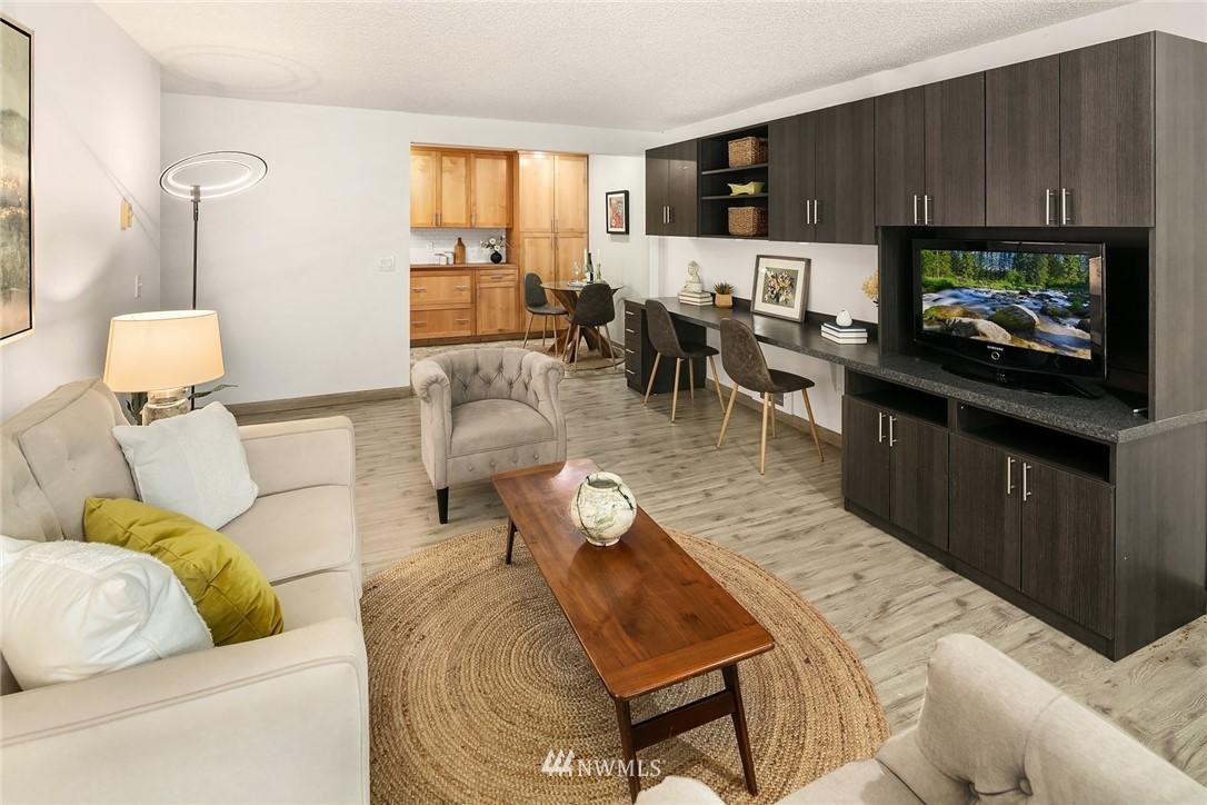Sold Property   10501 8th Avenue NE #109 Seattle, WA 98125 5