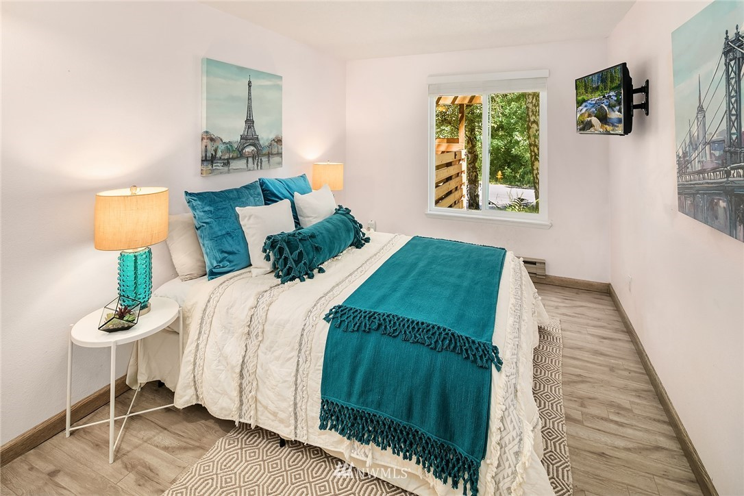 Sold Property   10501 8th Avenue NE #109 Seattle, WA 98125 10
