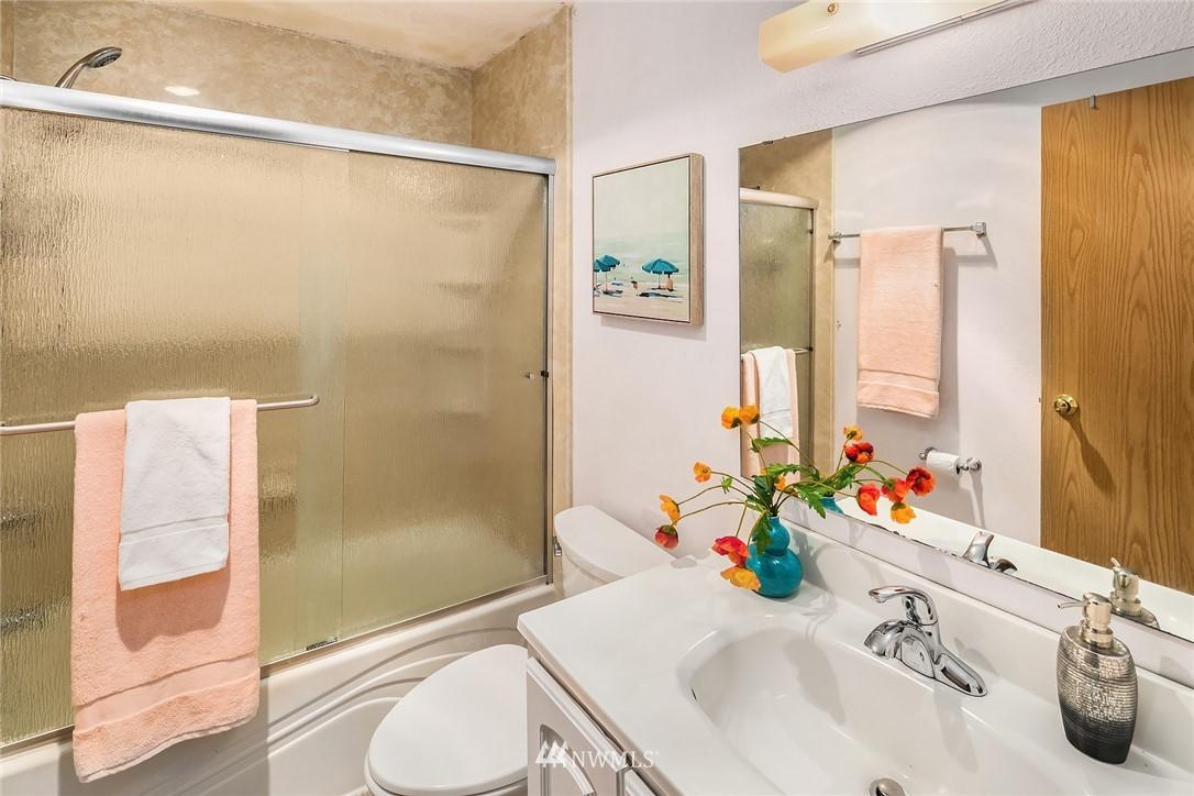 Sold Property   10501 8th Avenue NE #109 Seattle, WA 98125 12