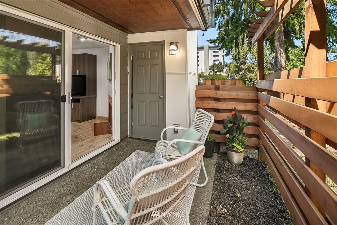 Sold Property   10501 8th Avenue NE #109 Seattle, WA 98125 16