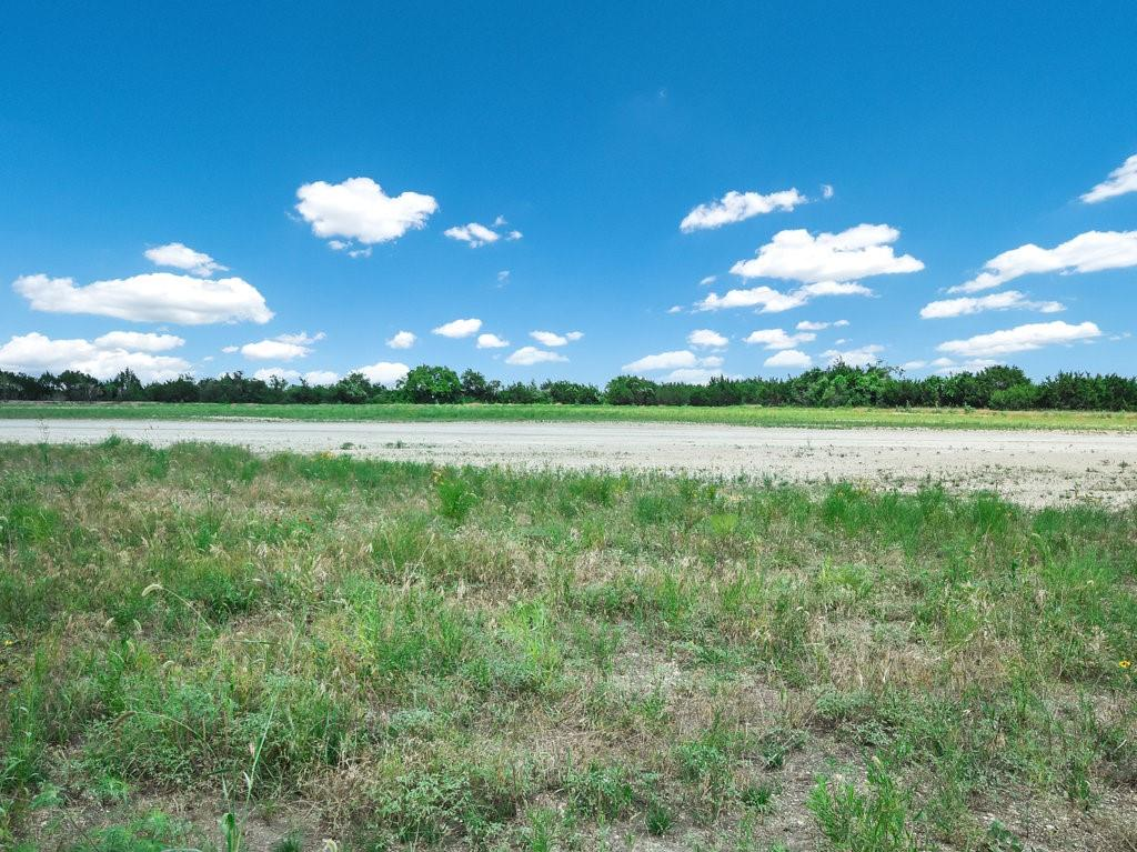 Pending   84 Red Yucca Court Liberty Hill, TX 78642 7
