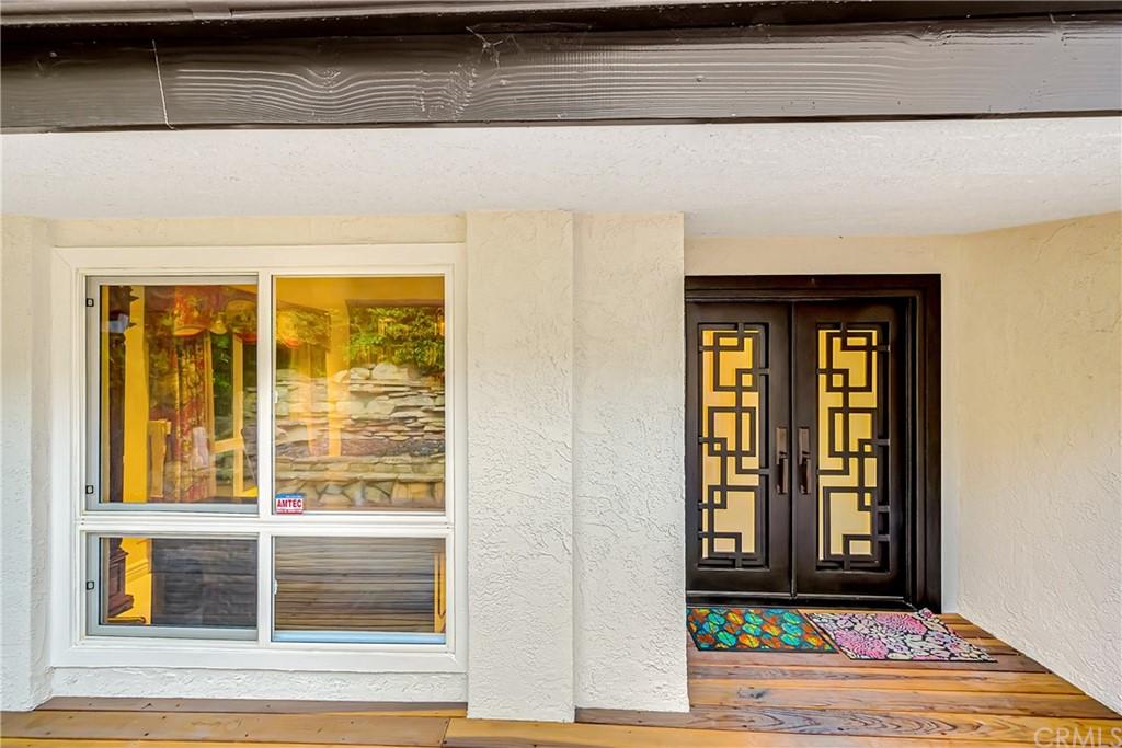 Pending | 1116 Via Zumaya Palos Verdes Estates, CA 90274 101