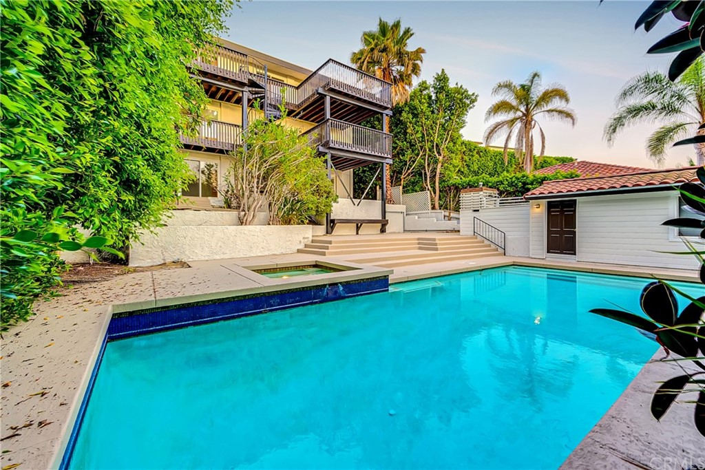 Pending | 1116 Via Zumaya Palos Verdes Estates, CA 90274 89