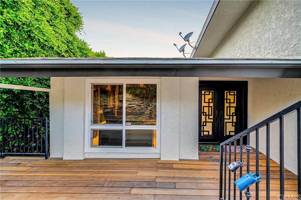 Pending | 1116 Via Zumaya Palos Verdes Estates, CA 90274 99