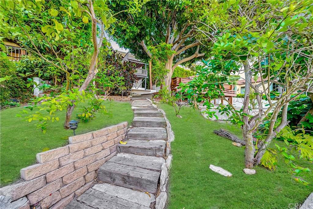 Pending | 1116 Via Zumaya Palos Verdes Estates, CA 90274 7