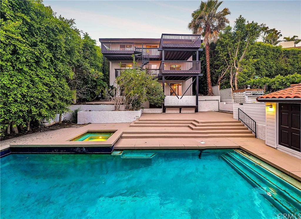 Pending | 1116 Via Zumaya Palos Verdes Estates, CA 90274 8