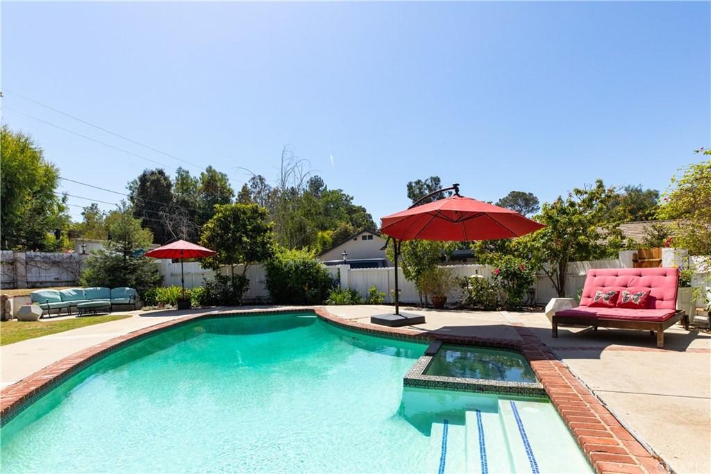 Pending | 8 Buckskin Lane Rolling Hills Estates, CA 90274 0