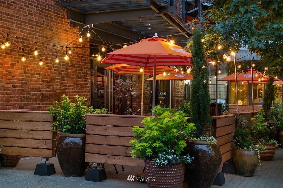 Sold Property   73 E Lynn Street Seattle, WA 98102 17