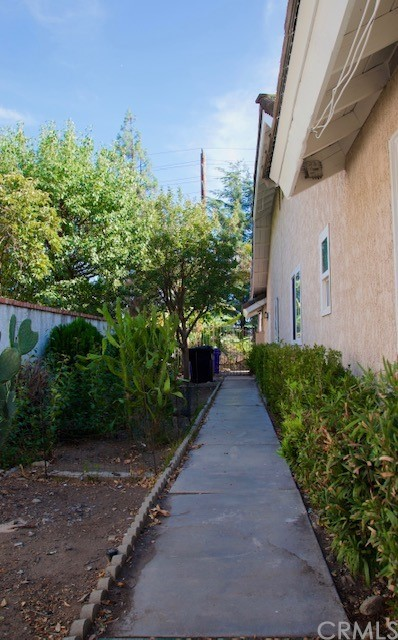 Active | 1155 W 20th Street Upland, CA 91784 17