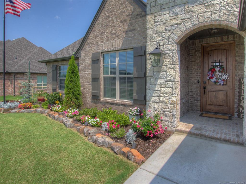 Off Market | 6752 N Granite Lane Owasso, Oklahoma 74055 1