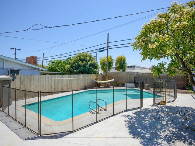 Pending | 2462 Santa Clara Avenue Fullerton, CA 92831 18