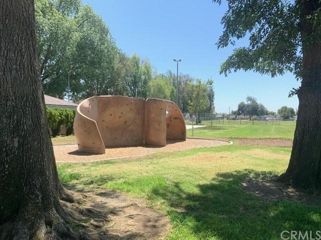 Pending | 2462 Santa Clara Avenue Fullerton, CA 92831 27