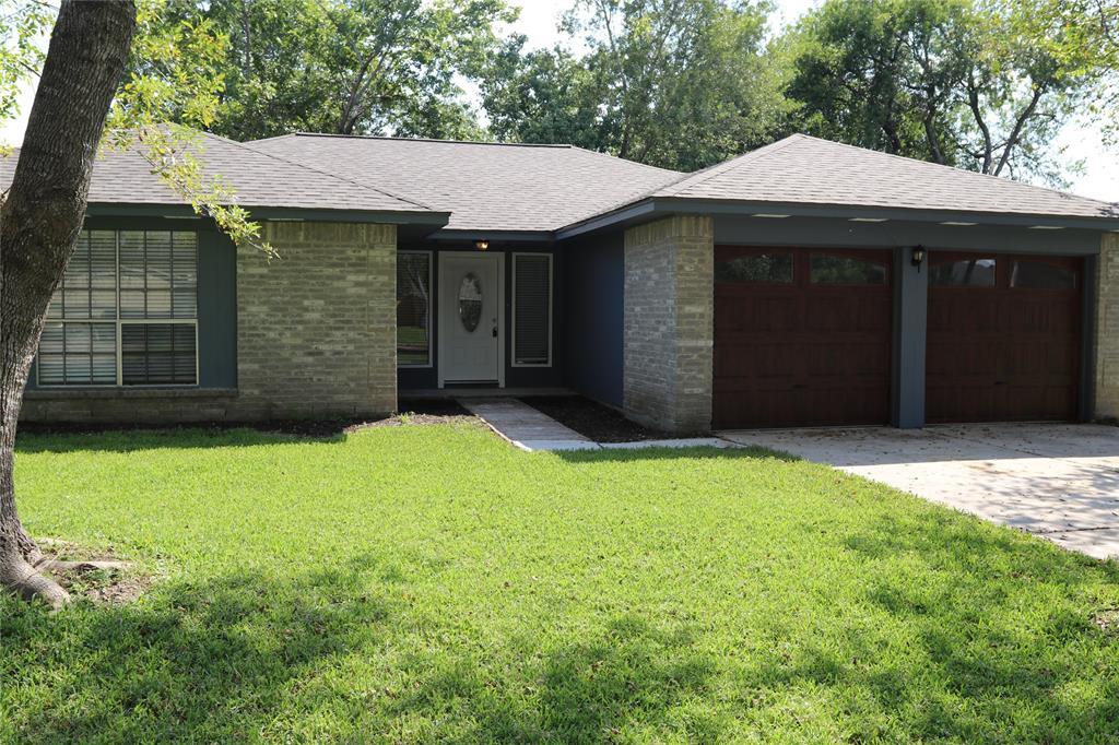 Off Market   17026 Stone Stile Drive Friendswood, Texas 77546 0