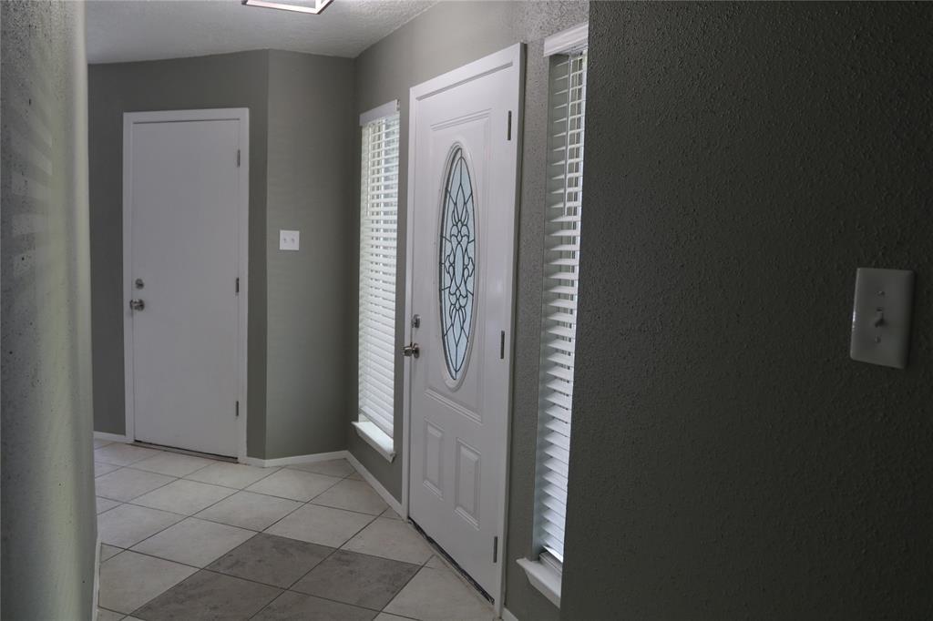 Off Market   17026 Stone Stile Drive Friendswood, Texas 77546 10