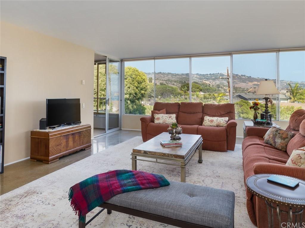 ActiveUnderContract | 32735 Seagate Drive #106 Rancho Palos Verdes, CA 90275 6