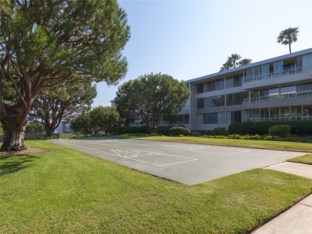 ActiveUnderContract | 32735 Seagate Drive #106 Rancho Palos Verdes, CA 90275 53