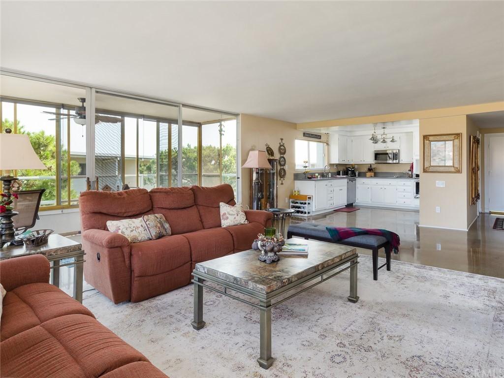 ActiveUnderContract | 32735 Seagate Drive #106 Rancho Palos Verdes, CA 90275 9