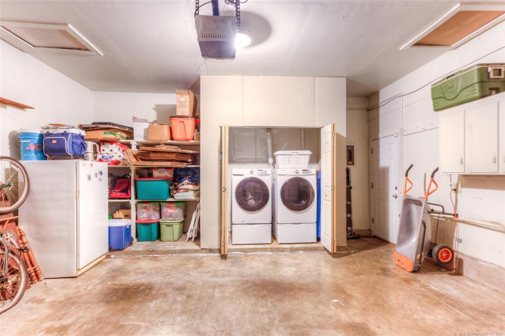 Off Market   1567 E 60th Place Tulsa, Oklahoma 74105 23