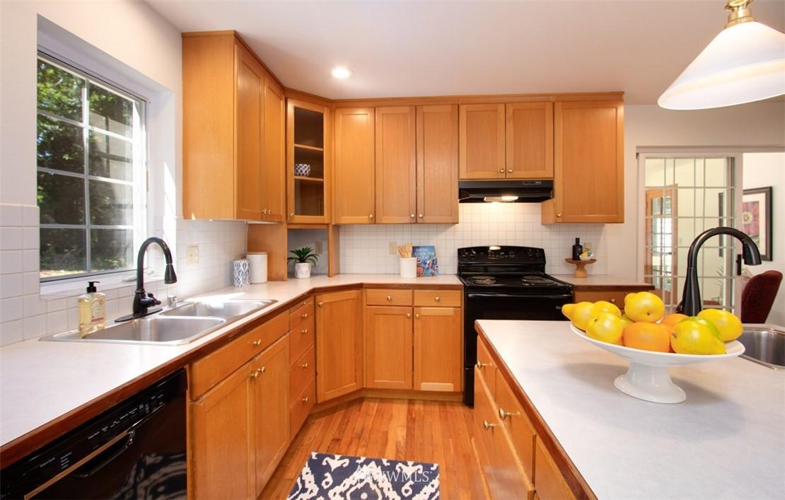 Sold Property   8483 Ferncliff Avenue NE Bainbridge Island, WA 98110 11