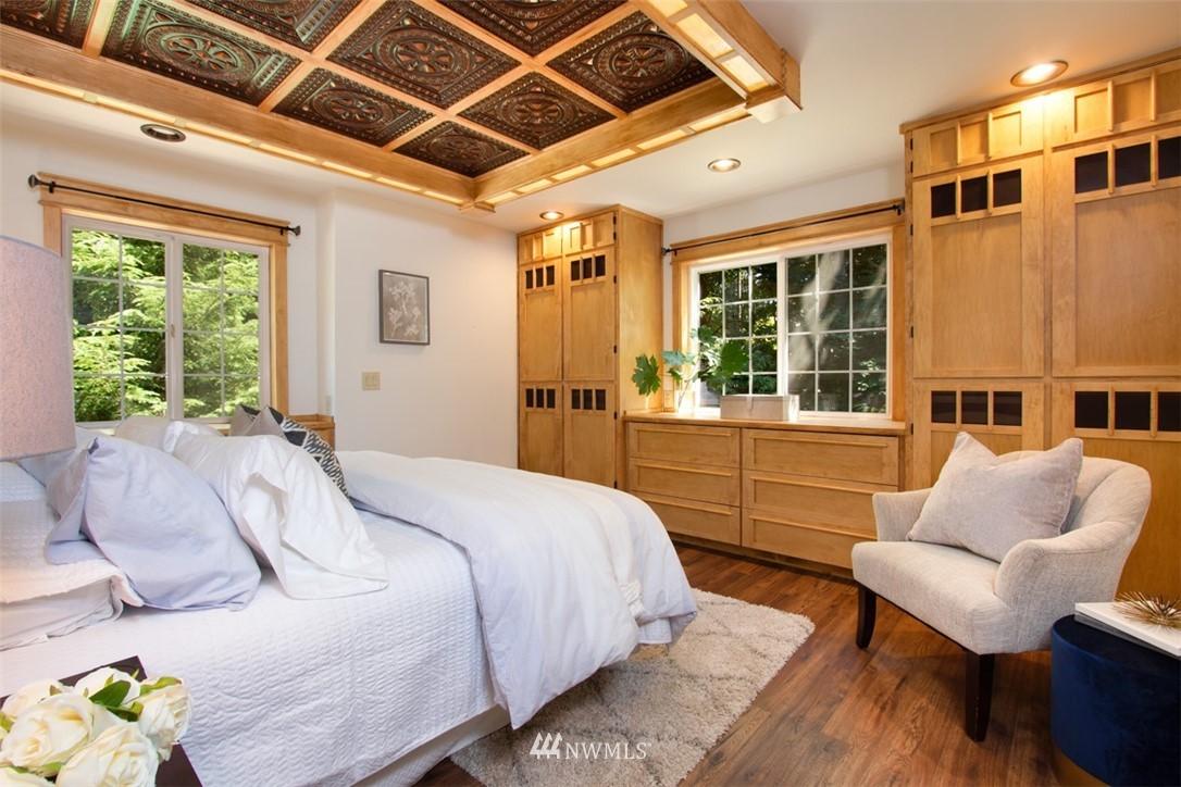 Sold Property   8483 Ferncliff Avenue NE Bainbridge Island, WA 98110 16