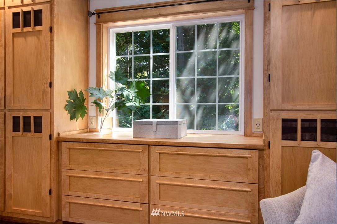 Sold Property   8483 Ferncliff Avenue NE Bainbridge Island, WA 98110 17