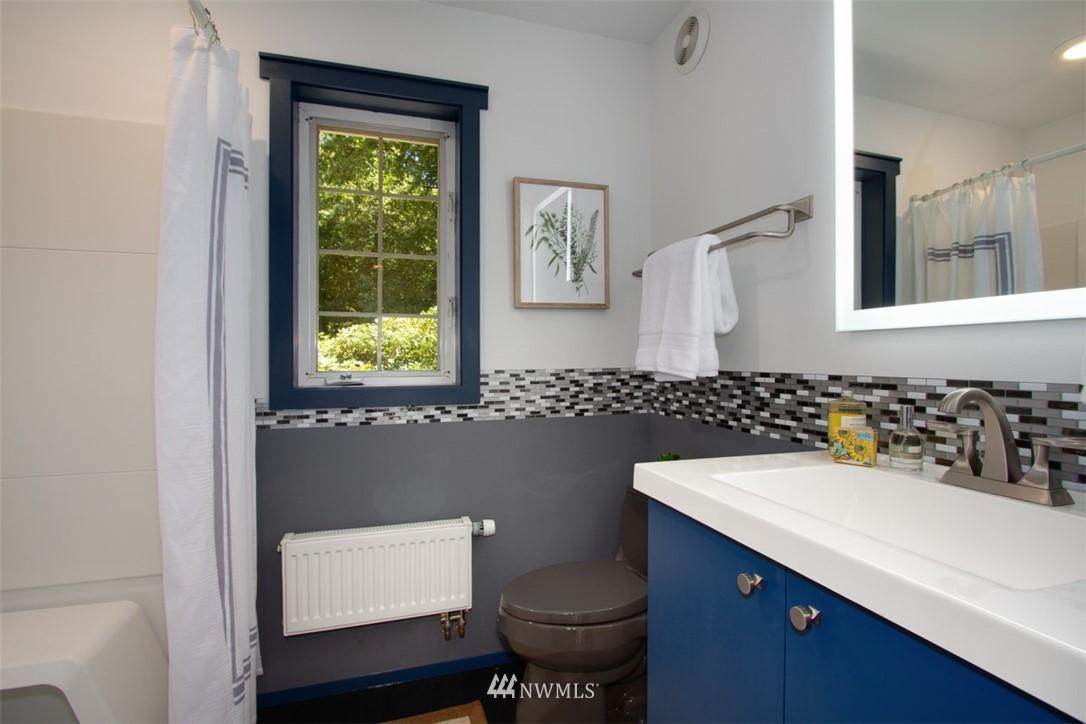 Sold Property   8483 Ferncliff Avenue NE Bainbridge Island, WA 98110 7