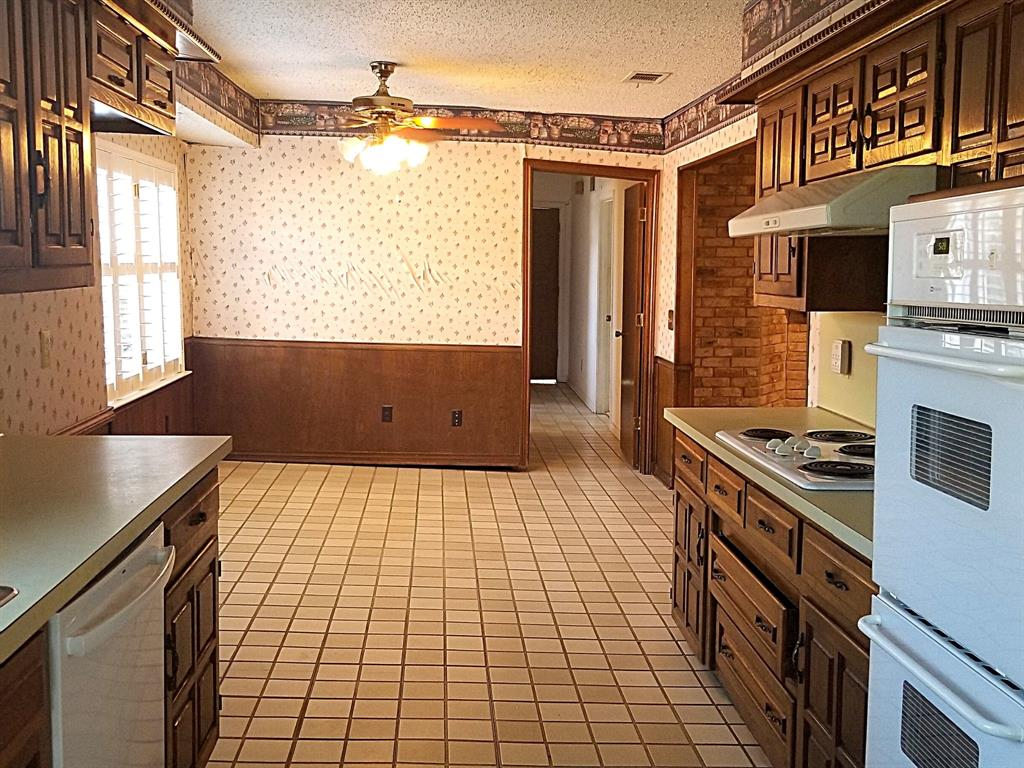 Sold Property | 2368 Monticello Circle Plano, Texas 75075 9