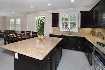 Closed | 205 Summit Lake Forest, CA 92630 8