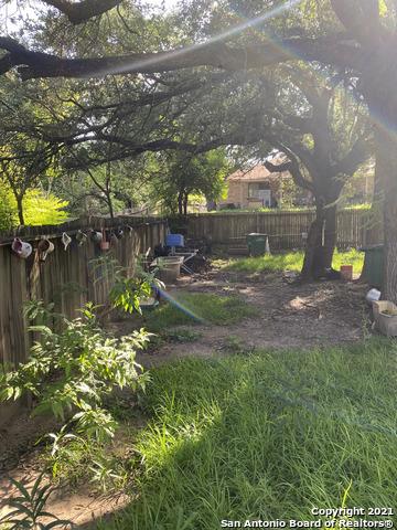 Pending   4912 TIMBER TRACE ST San Antonio, TX 78250 5