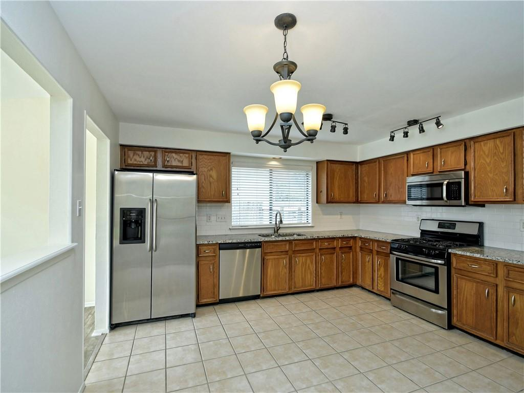 Closed | 2205 Creekview Drive Round Rock, TX 78681 10