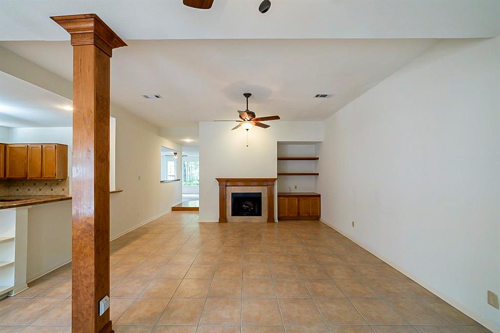 Active | 130 N Trace Creek Drive Spring, Texas 77381 2
