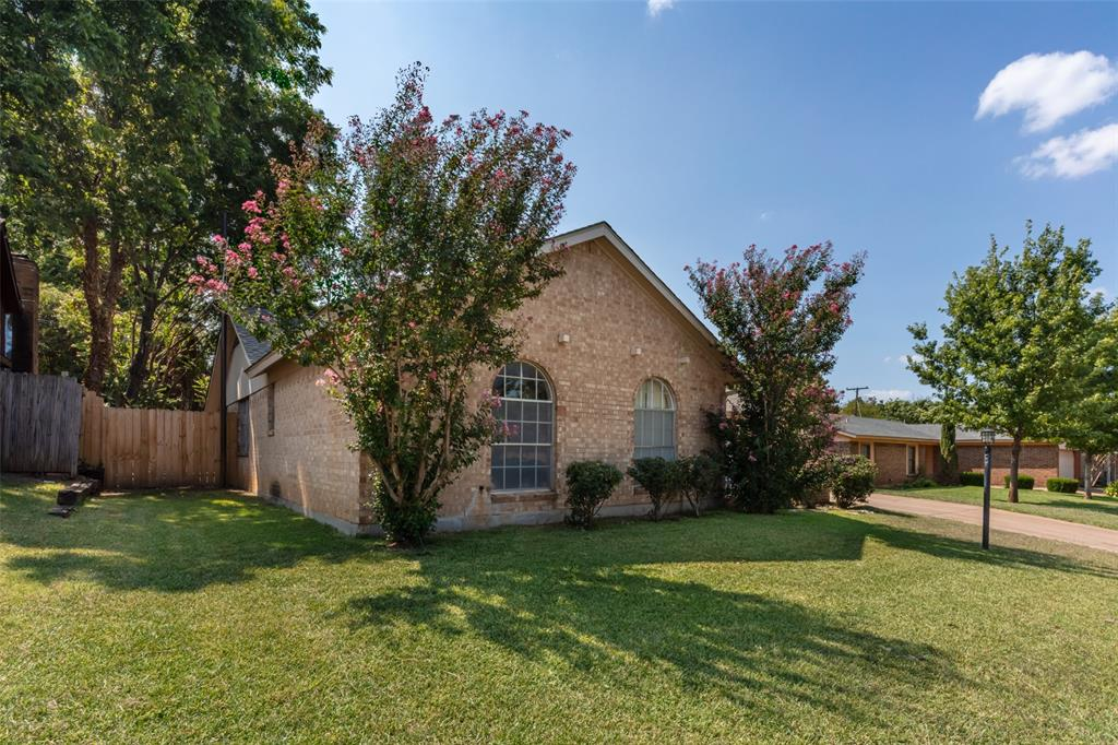 Sold Property   1808 Lake Shore Court Fort Worth, Texas 76103 2