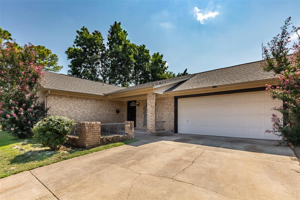 Sold Property   1808 Lake Shore Court Fort Worth, Texas 76103 3