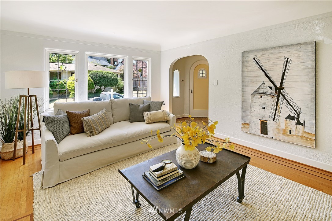 Sold Property | 2120 NE Park Road Seattle, WA 98105 3