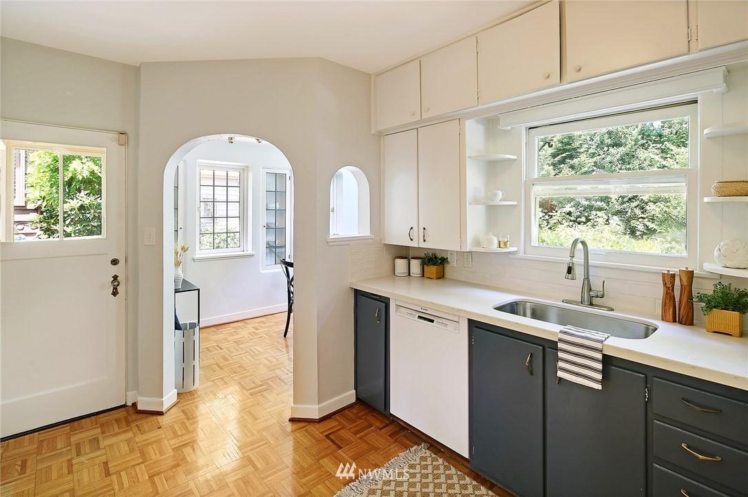 Sold Property | 2120 NE Park Road Seattle, WA 98105 5