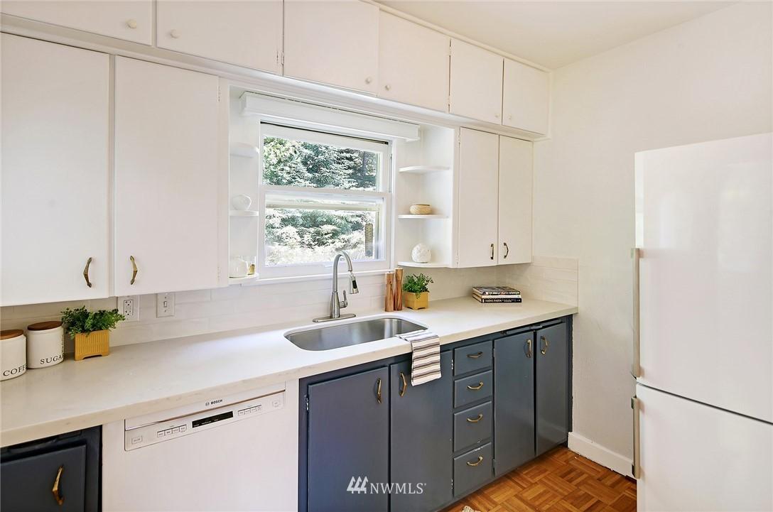 Sold Property | 2120 NE Park Road Seattle, WA 98105 6