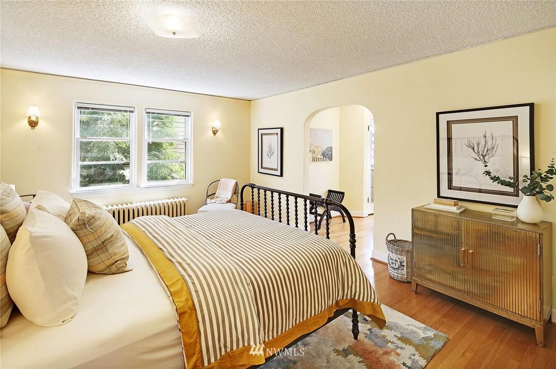 Sold Property | 2120 NE Park Road Seattle, WA 98105 8