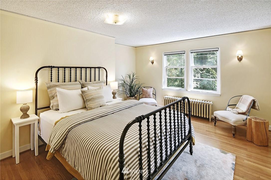 Sold Property | 2120 NE Park Road Seattle, WA 98105 9