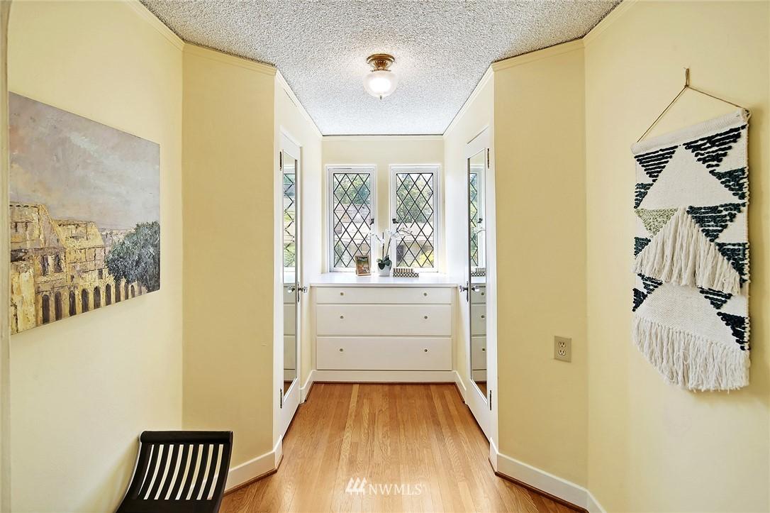 Sold Property | 2120 NE Park Road Seattle, WA 98105 10