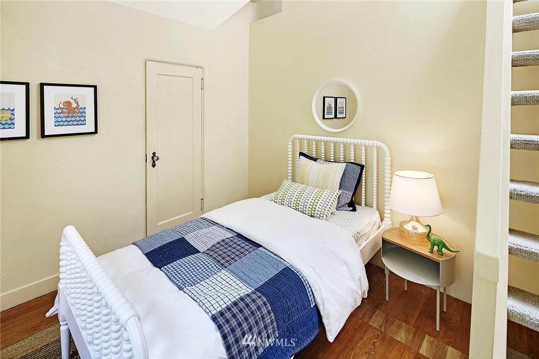 Sold Property | 2120 NE Park Road Seattle, WA 98105 12
