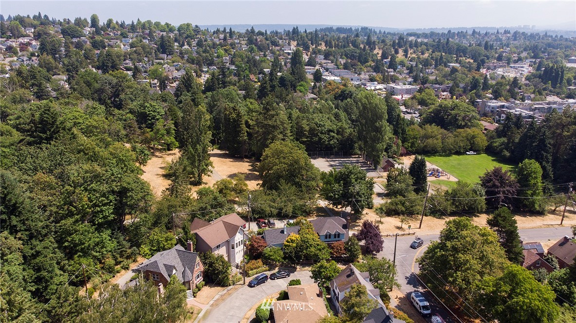 Sold Property | 2120 NE Park Road Seattle, WA 98105 24