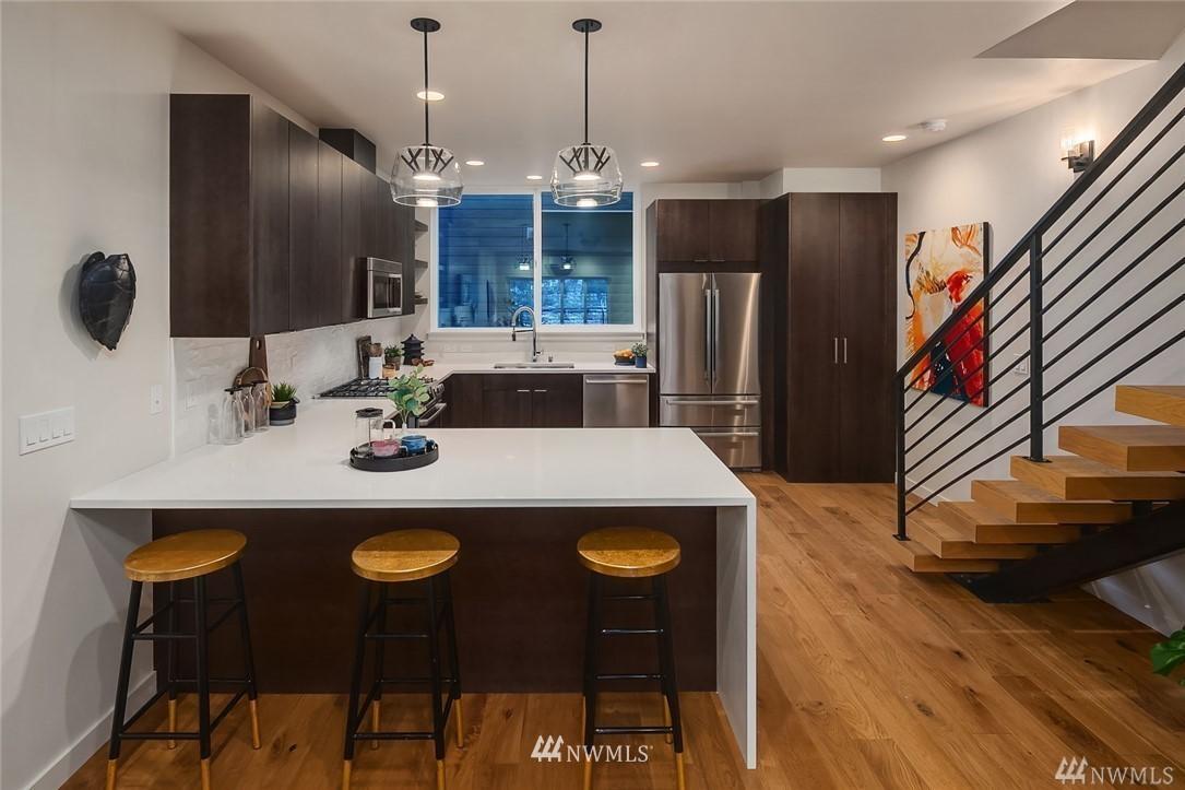 Sold Property   2364 Franklin Avenue E #A Seattle, WA 98102 4