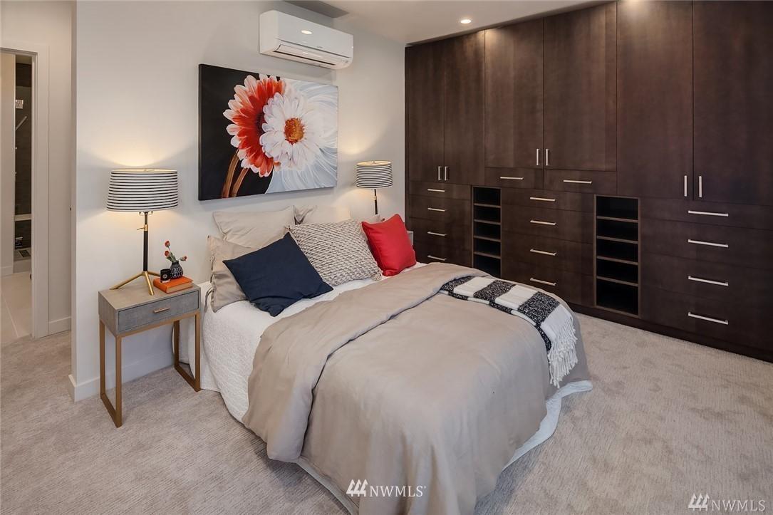 Sold Property   2364 Franklin Avenue E #A Seattle, WA 98102 10
